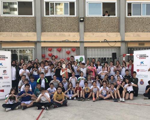 Cardiosos col·labora al projecte Tomando Conciencia Schools cardioprotegint escoles