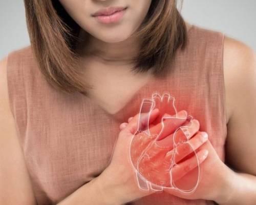 Símptomes de que una dona està patint un infart